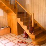 Лестница в дом из лиственницы